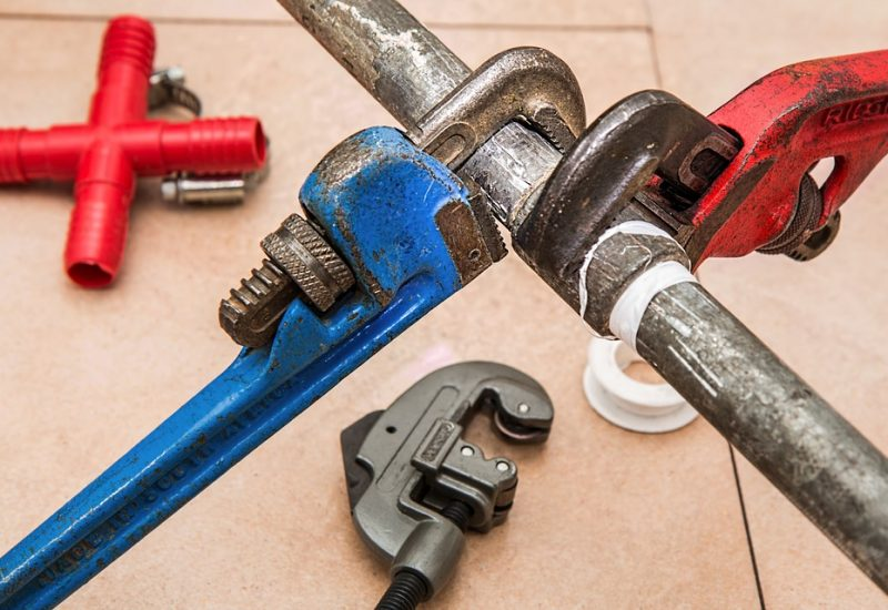 5 Plumbing Problems That Should Never DIY