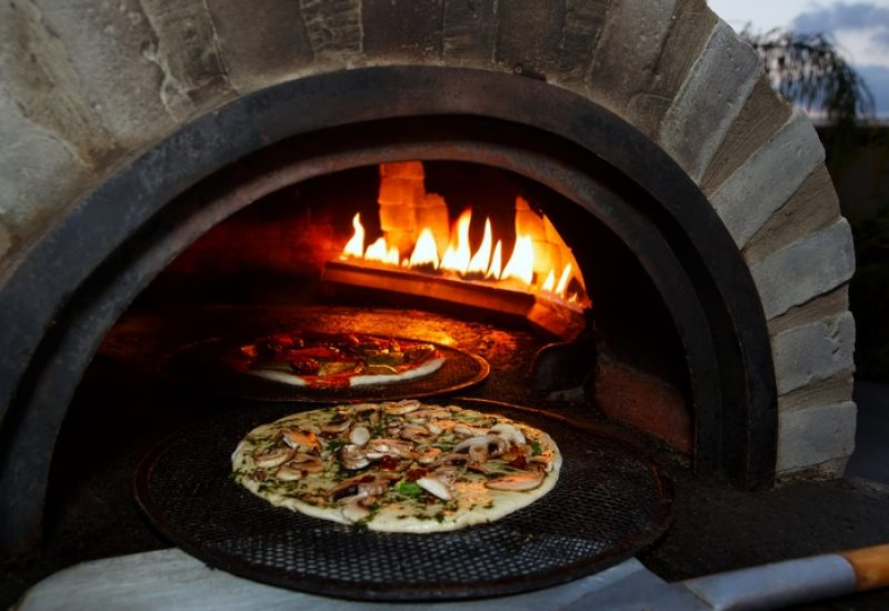 5 Features You Will Enjoy from a Pizza Oven