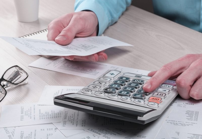15 Duties That Describe What Does a Payroll Specialist Do