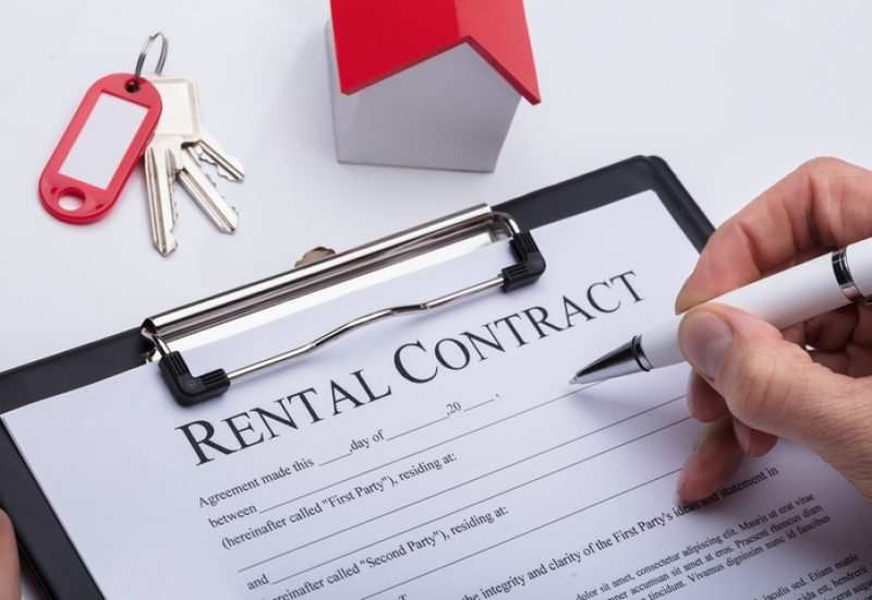 Is It Better to Rent a House or an Apartment?