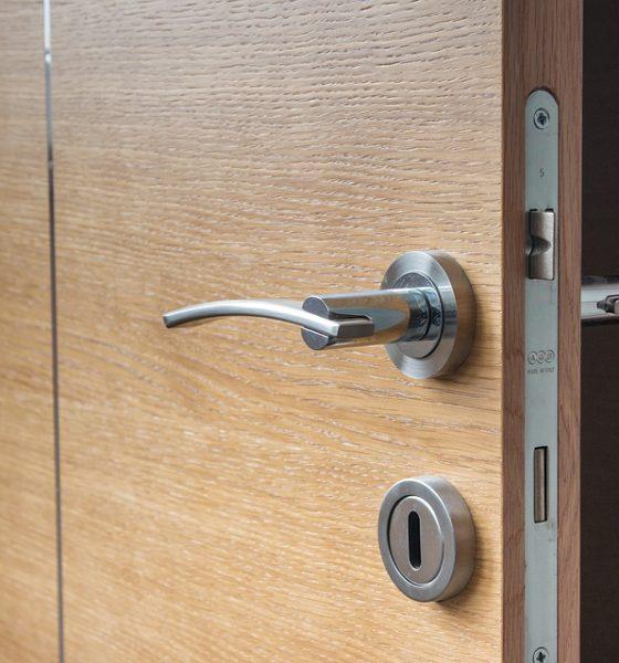 5 Ways to Unlock A Door When You've Misplaced Your Keys